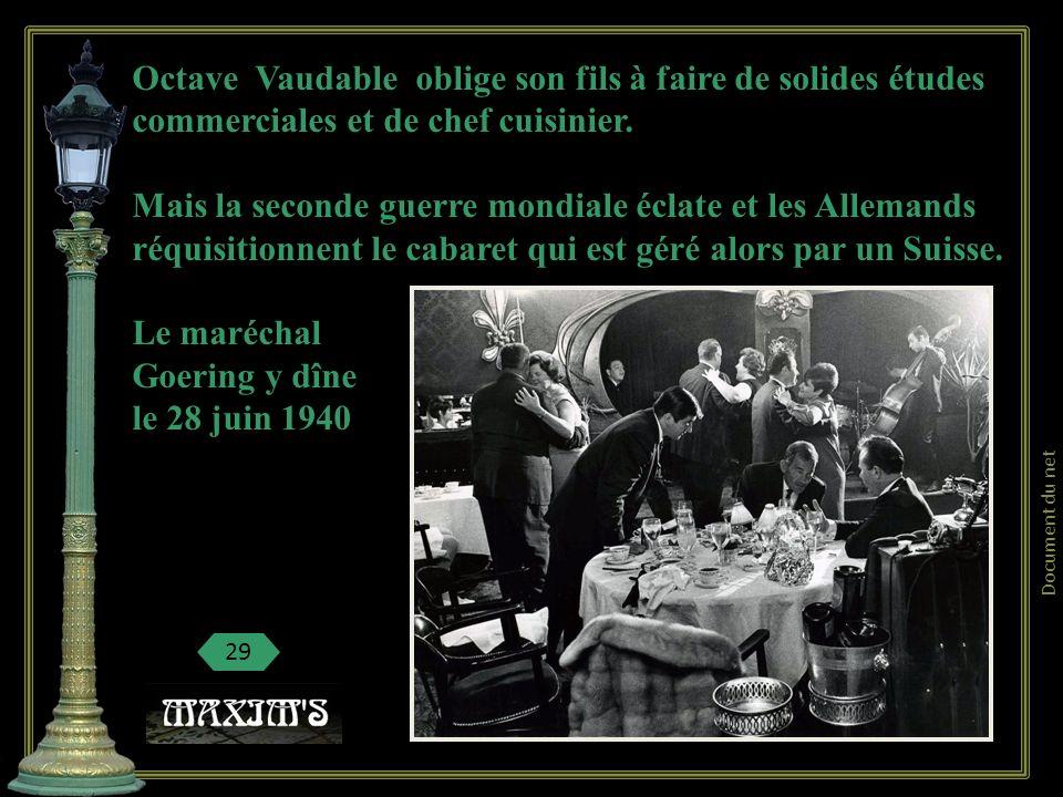Mais le restaurant-cabaret Maxims reçoit encore les princes russes sans patrie ou les artistes comme Mistinguett ou Maurice Chevalier, Sacha Guitry, l