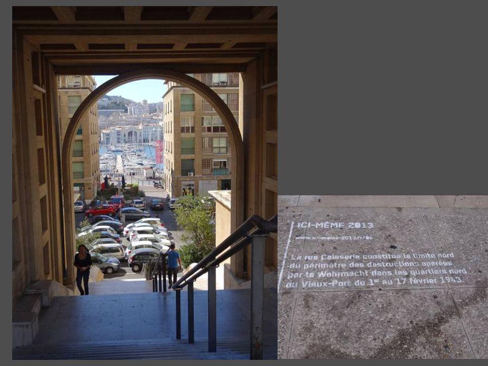 Le Marseillois, le restaurant bateau ancré sur le vieux port de Marseille était protégé par la bonne mère !!! Maintenant, cest un restaurant sous-mari