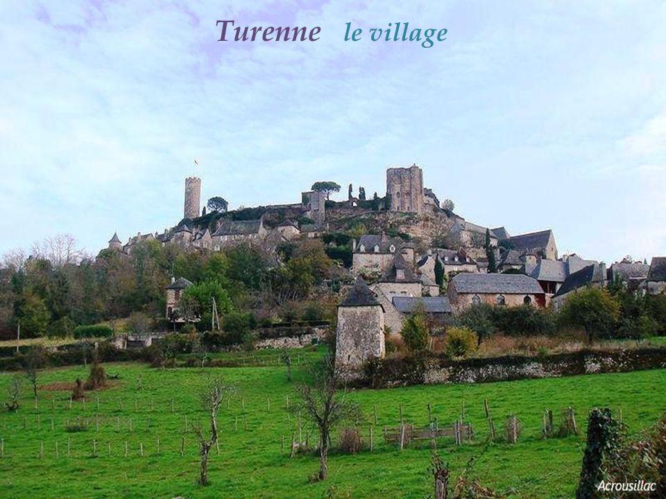 Noailhac tourelle sur le flanc Sud de léglise. Saint-Pierre-ès-Liens, XIIe - XVe siècles