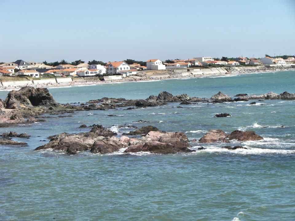 Brétignolles/mer est une bourgade située sur la côte Ouest de la France, appelée « côte de lumière » entre Saint-Gilles Croix de Vie et les Sables dOl