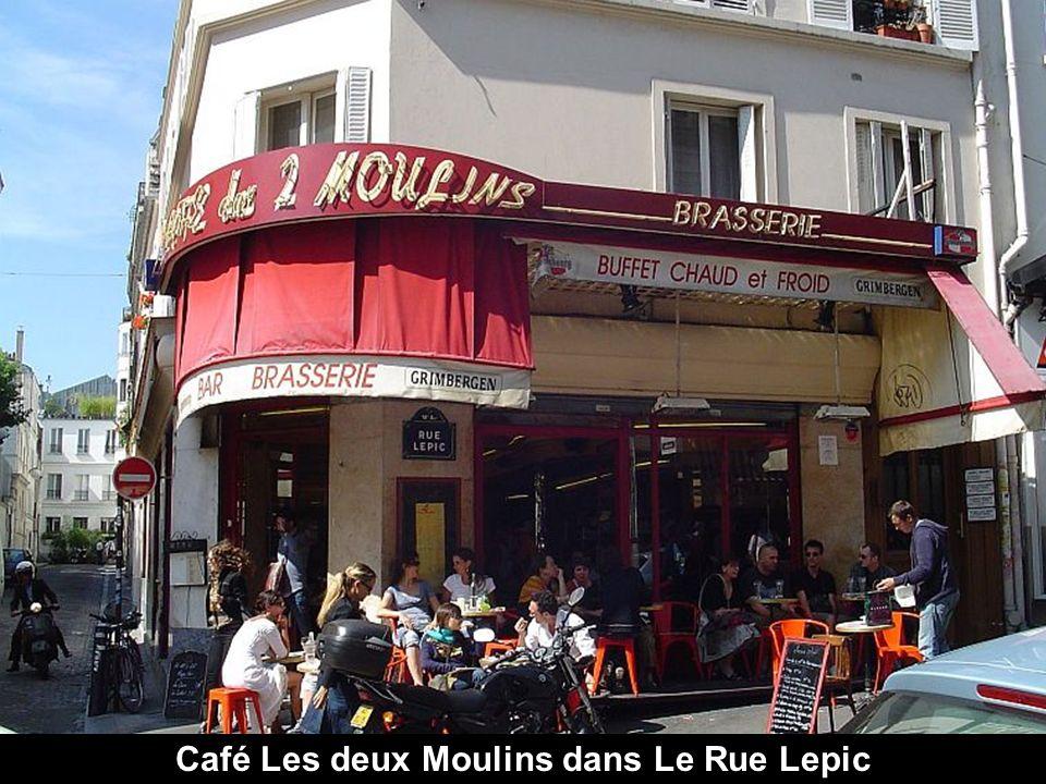 Rue typique de Montmartre.
