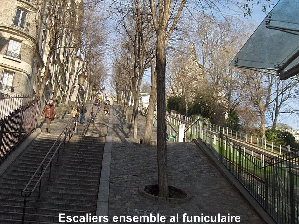 Celui-ci est une des monuments les plus impressionnantes dans le cimetière de Montmartre.