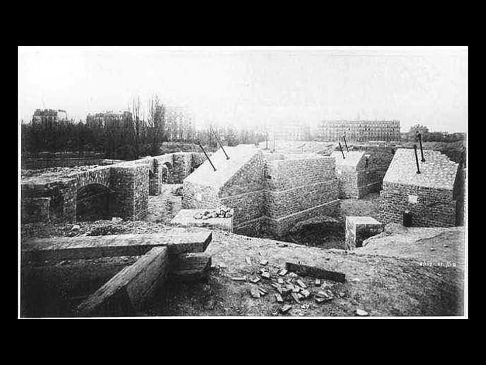 1887 Construction de la maçonnerie des piliers 1887 Construction de la maçonnerie des piliers