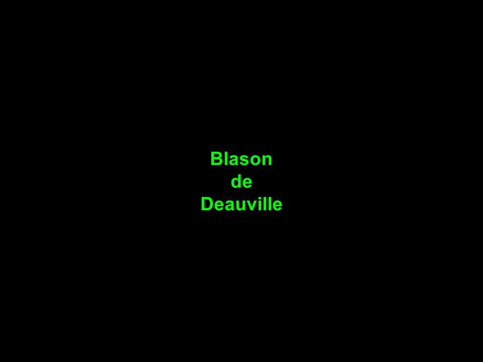 les parasols emblême de Deauville