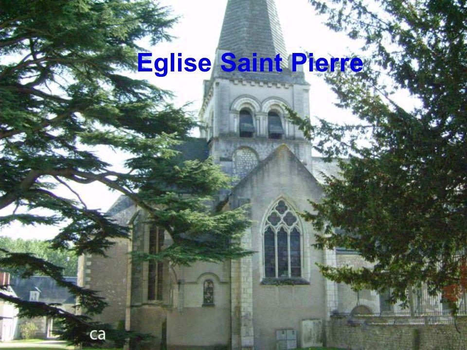 Porte dentrée de léglise St Pierre
