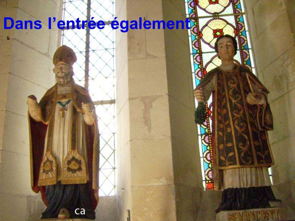 En entrant dans l église St Pierre