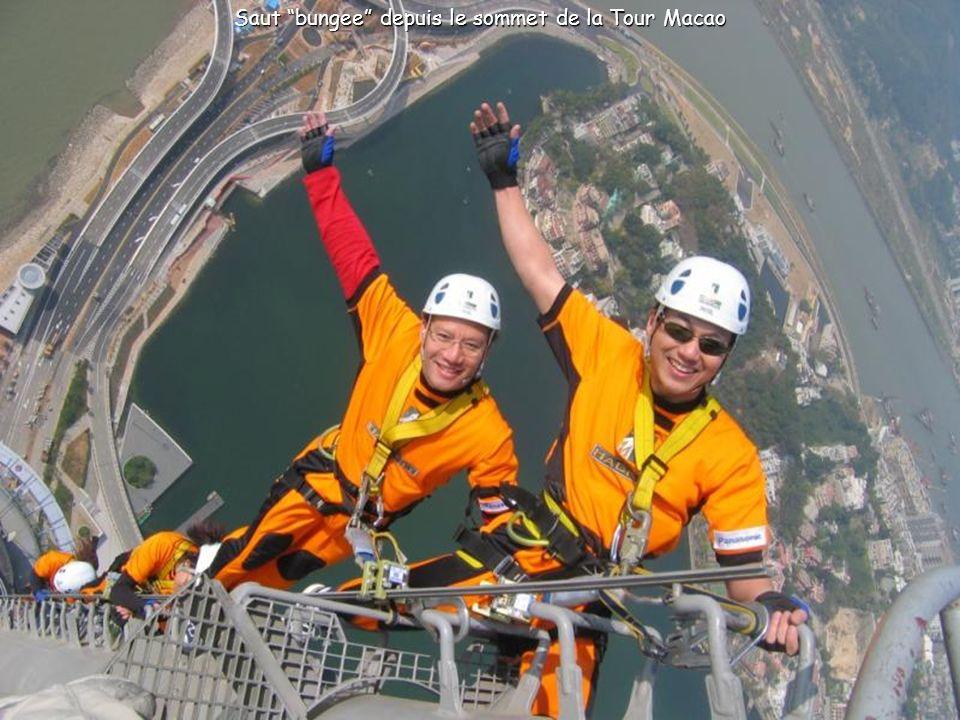 Tour de Macao et ses 338 mètres de hauteur