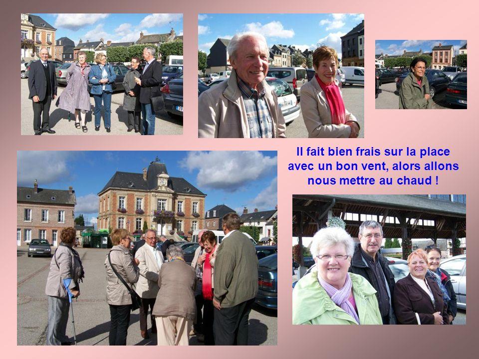 … Face à la mairie de Routot, il y a le restaurant « lEcurie », cest là que Lucienne a réuni les collègues du secteur de Pont-Audemer ce mardi 25 sept