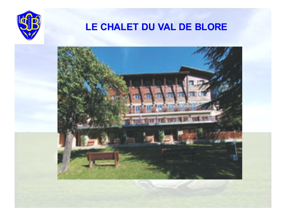 Le Chalet du Val de Blore est une maison familiale qui accueille pendant les vacances scolaires des familles pour des séjours à la semaine, en dehors des vacances possibilité de classes vertes.
