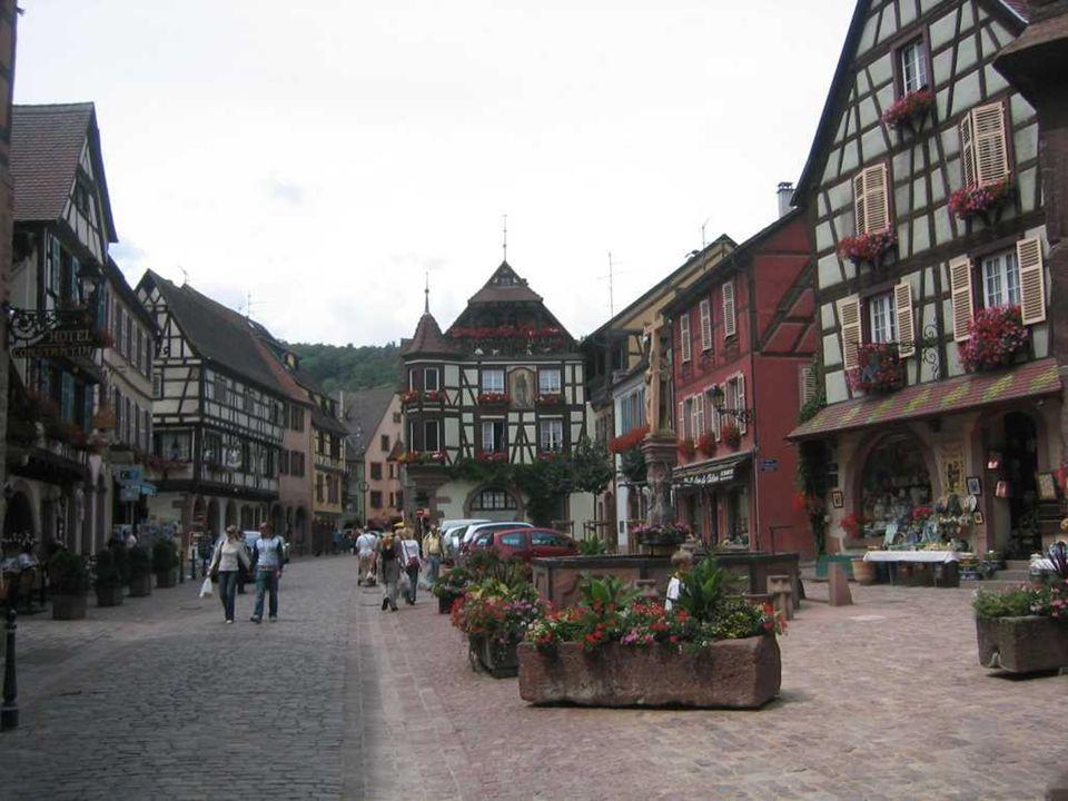 RIQUEWIHT Riquewihr en langue française, Reichenweier en alsacien, est une localité dune commune française située dans le département du Haut Rhin, da
