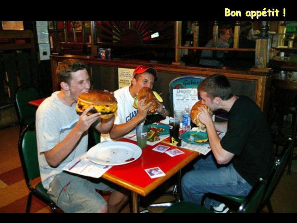 Les hamburgers font 30 cm de diamètre !
