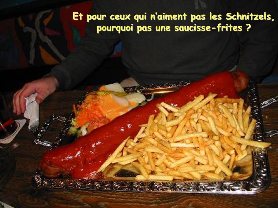 Le papier alu est fourni par le restaurant pour ceux qui ont du mal à finir leur assiette...