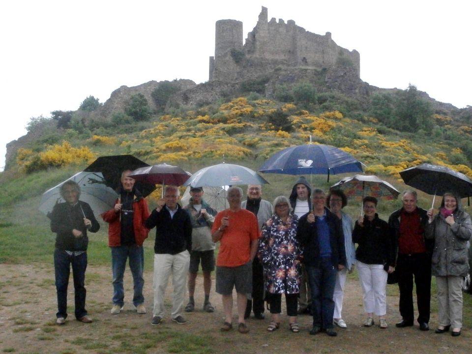 SAIL SOUS COUZAN Au pied des montagnes du soir SAMEDI 8 JUIN Sous la forteresse de Couzan