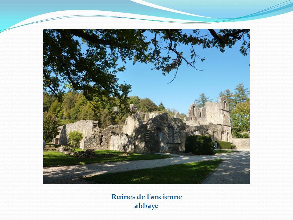 Nouvelle basilique + quelques ruines