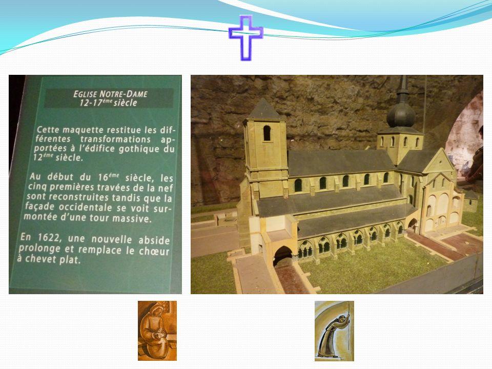 L'oeuvre gigantesque de la reconstruction est entreprise par Dom Marie-Albert van der Cruyssen, un Gantois, moine de l'abbaye de la Trappe. Très vite,