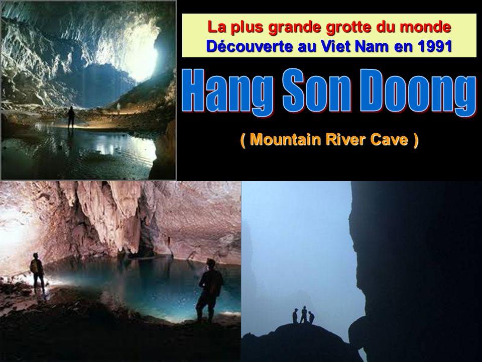 La grotte n avait encore jamais été explorée, même par la population locale, car lentrée est petite par rapport aux autres grottes vietnamiennes (10 m de haut et 30 m de large), mais aussi parce que la grande rivière souterraine émet un son effroyable.