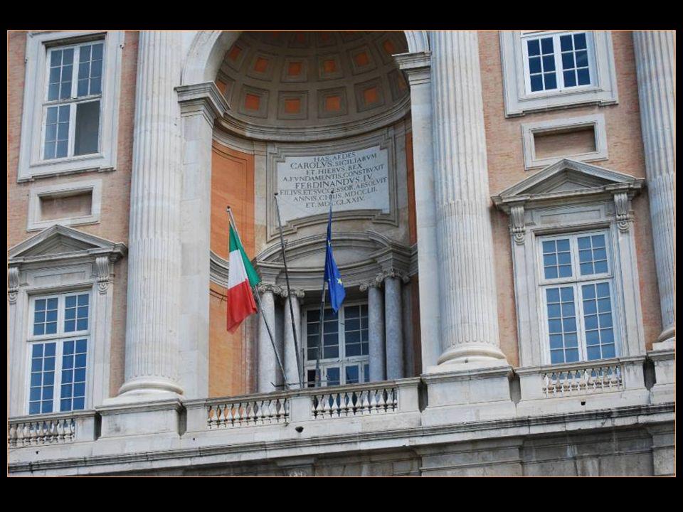 Les voyages BUCHARD à SORRENTE CÔTE AMALFITAINE Printemps 2011 Caserta Le château 2me partie défilement automatique