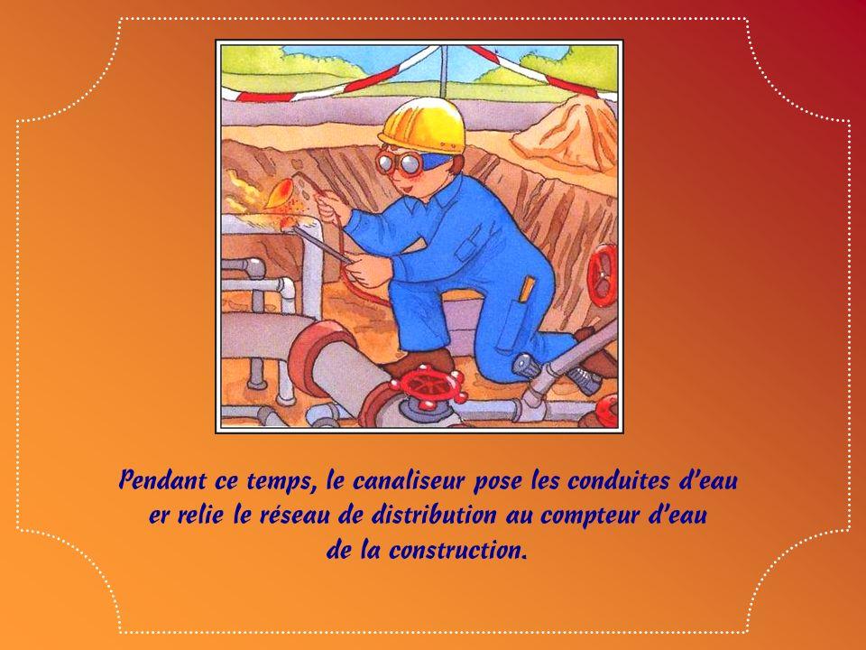 Parfois, avant que commence lélectricien, il a fallu que la Compagnie dÉlectricité fasse le raccordement pour assurer le transport de lélectricité jus