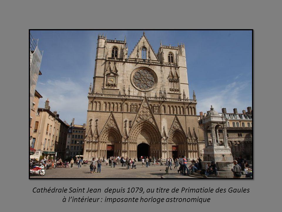 Quartier Saint Georges au pied de Fourvière, au bord de la Saône haut lieu de la soierie au 16éme siècle