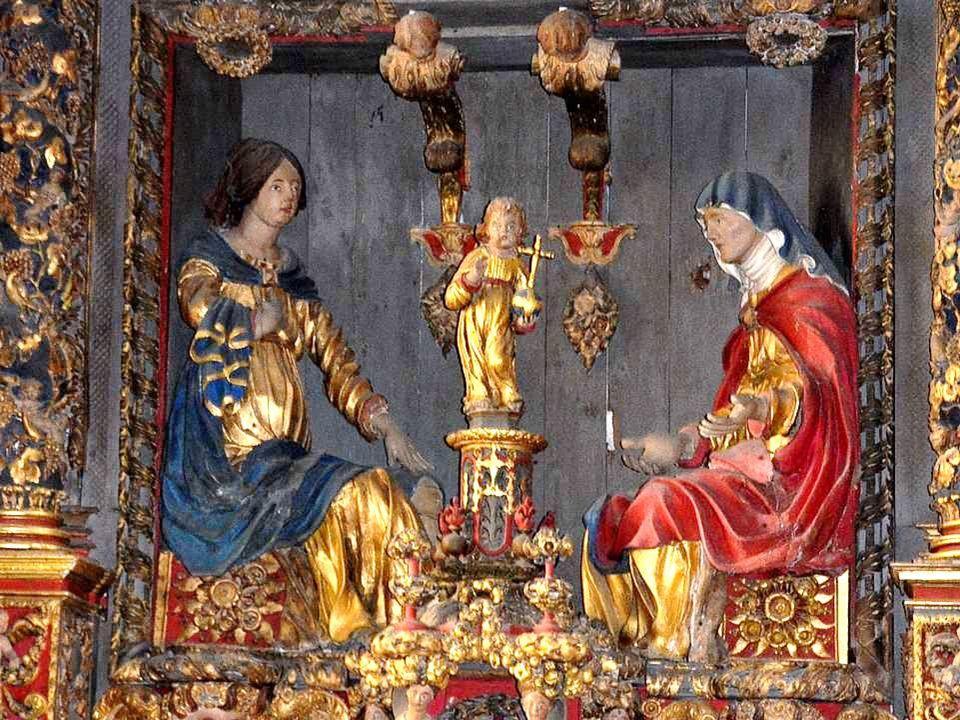 Cette église possède trois beaux autels à retables, du XVIIème siècle, d'un travail très riche. 1° Le plus magistral, et le plus monumental de tous ce