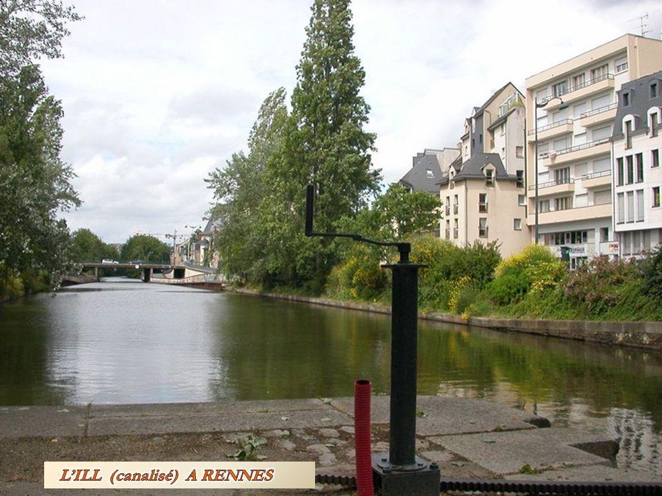 LE COUESNON AU MONT- SAINT –MICHEL : Le Couesnon est un petit fleuve côtier prenant sa source près de l étang de Vézins, sur la commune de Saint-Pierre-des-Landes en Mayenne et dont l embouchure se situe dans la baie du mont Saint-Michel : A gauche, la Bretagne, à droite, la Normandie.