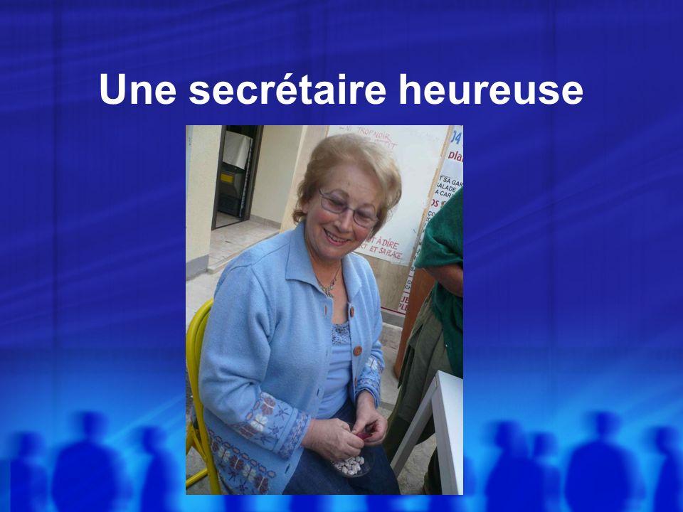 Une secrétaire heureuse