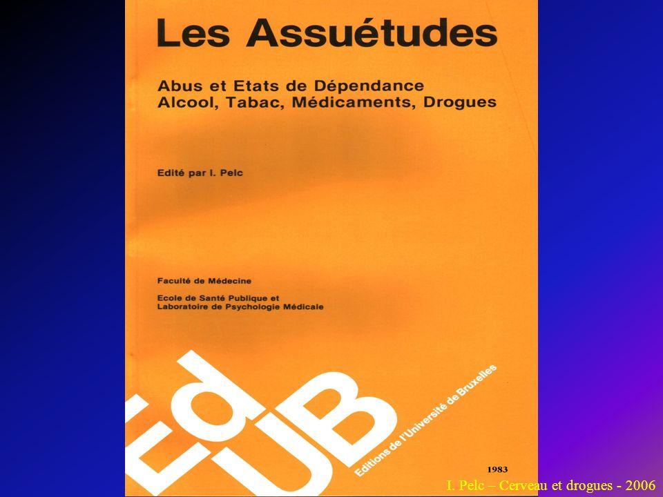 Définition Le Petit Robert note que le terme « assuétude » a été emprunté en 1969, au latin « assuetudo » qui signifie « habitude » et que ce terme convient par ailleurs le mieux pour traduire la notion anglaise « addiction ».