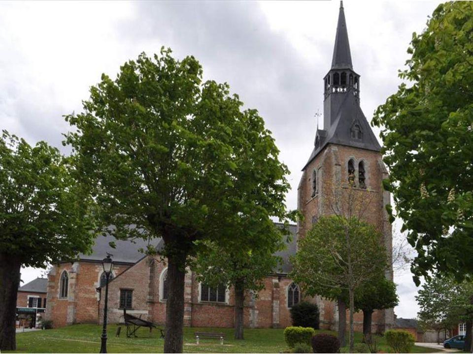 L'église Saint-Étienne Attestée dès 1258, elle dépendait de l'abbaye bénédictine de Micy-Saint- Mesmin (commune de Saint-Pryvé- Saint-Mesmin, près d'O