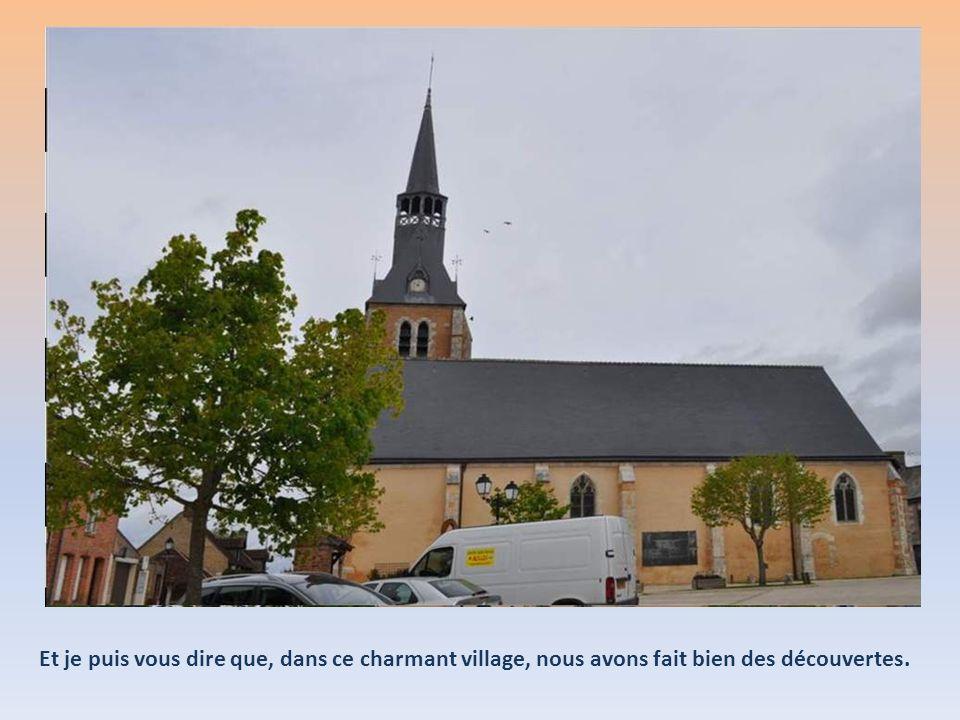 Au cœur de la Sologne, terre de légendes, Chaumont-sur-Tharonne conserve le témoignage des remparts qui l'entouraient autrefois. Le village, avec son