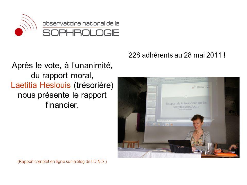 Après le vote, à lunanimité, du rapport moral, Laetitia Heslouis (trésorière) nous présente le rapport financier. (Rapport complet en ligne sur le blo