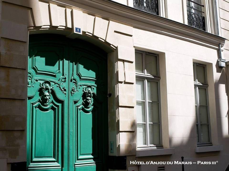 Hôtel dAnjou du Marais – Paris iii°