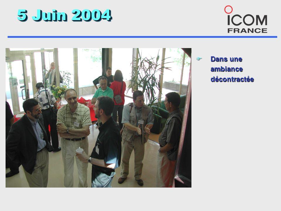 5 Juin 2004 F Samedi 5 Juin Icom accueillait Une vingtaine de VIP du monde Amateur et de la presse pour une présentation dynamique de lIC-7800 et de quelques autres nouveautés, grâce à la coordination de toute une équipe autour dAngélique
