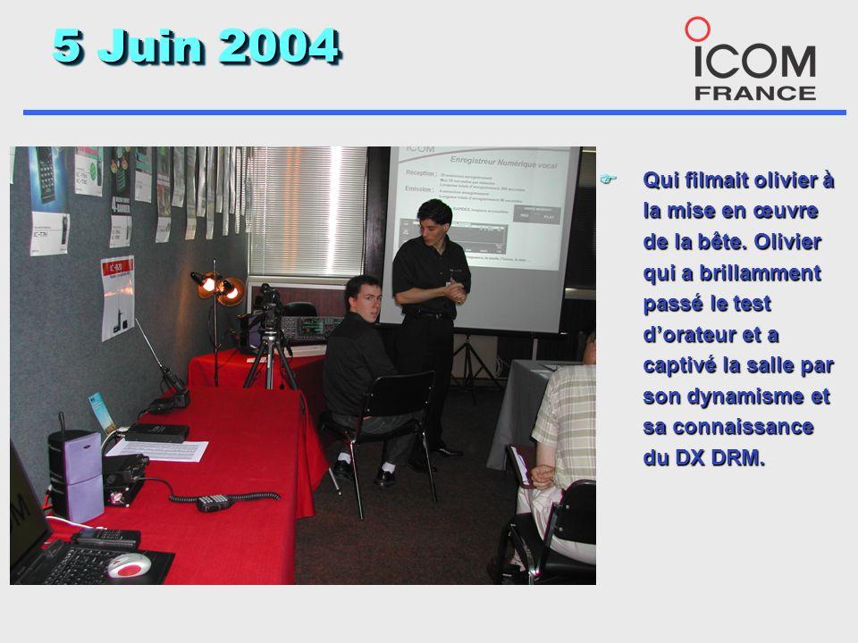 5 Juin 2004 F Une installation vidéo permettait de basculer entre lécran du 7800, la démo Power point et la caméra.