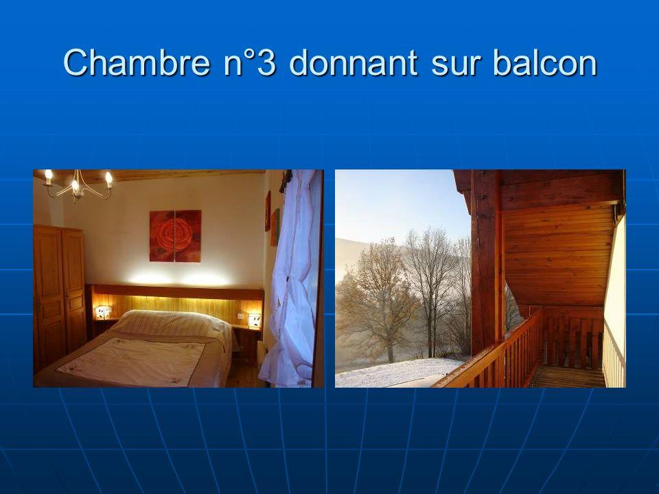 Chambre n°3 donnant sur balcon
