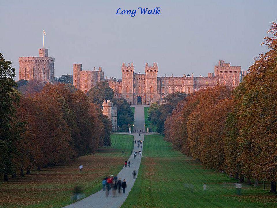 Le château de Windsor (Windsor Castle en anglais), à Windsor dans le Berkshire, est le plus grand château habité au monde, mais aussi le plus ancien habité sans discontinuité.