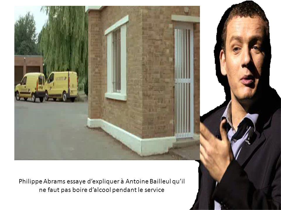 Philippe Abrams essaye dexpliquer à Antoine Bailleul quil ne faut pas boire dalcool pendant le service