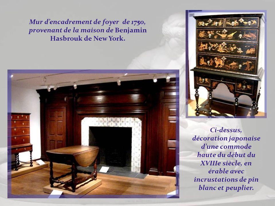 Des meubles du XVIIIe siècle et, à gauche, un portrait dartiste inconnu réalisé en 1752, représentant la petite Katherina Elmendorf de Kingston, état