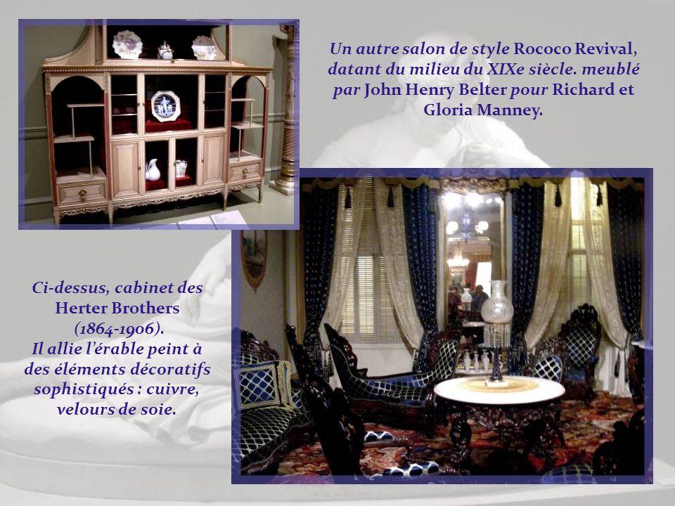 Salon Rococo Revival de 1852, Astoria, état de New York. Le salon a été créé pour lhomme daffaires Horace Whittemore. Les meubles en bois de rose sont