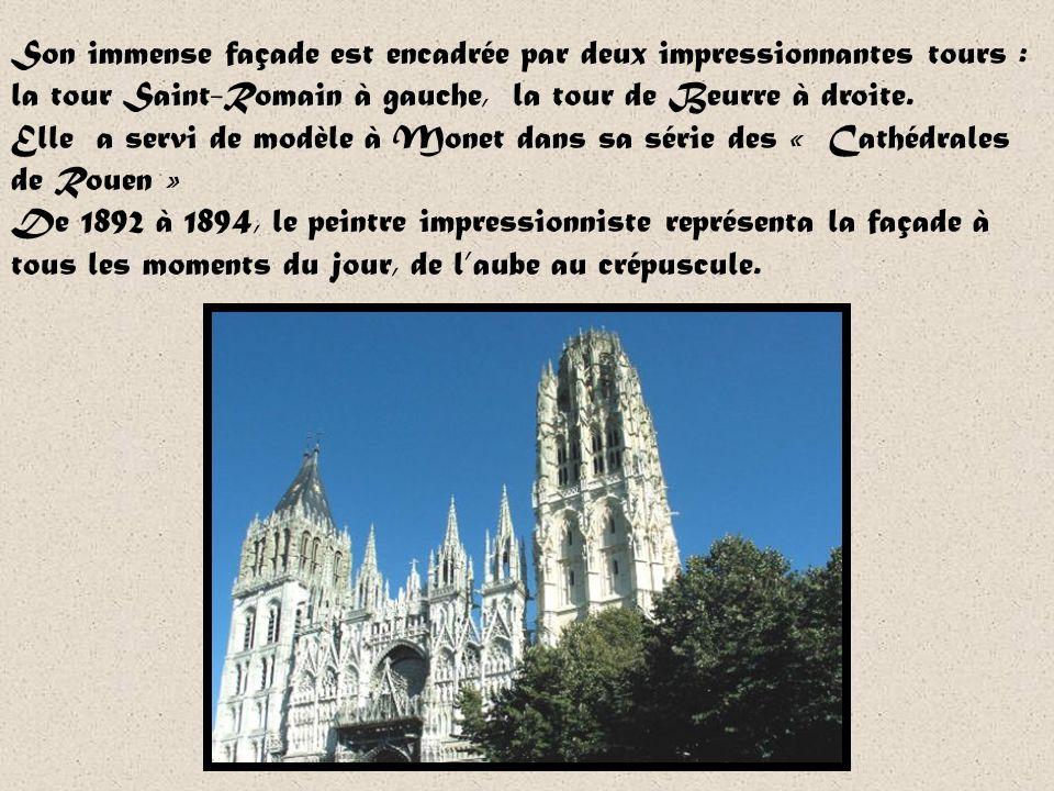 Dans le chœur, on trouve quelques sépultures des anciens ducs de Normandie. Il faut sarrêter devant celle de Richard cœur de Lion qui fit déposer son