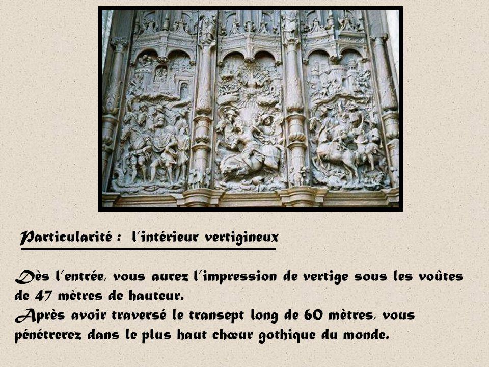 La cathédrale Saint-Pierre de Beauvais frappe par sa physionomie particulière : ses proportions sont impressionnantes mais lœuvre est inachevée. Malgr