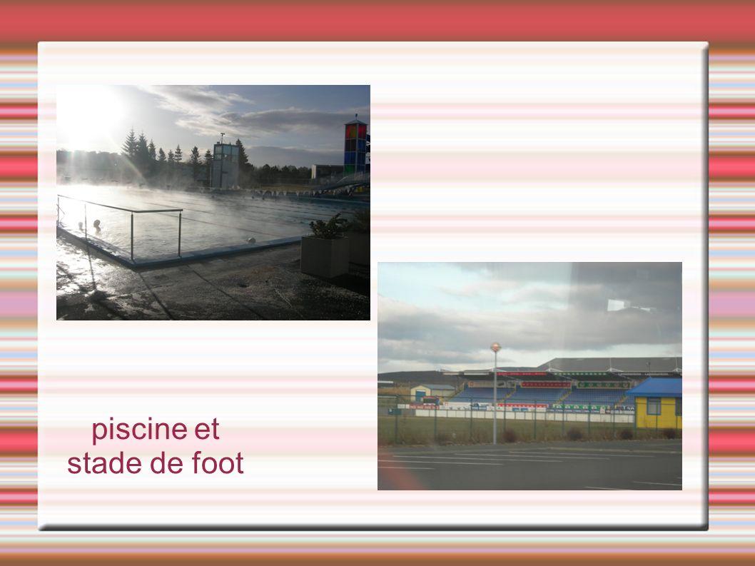piscine et stade de foot
