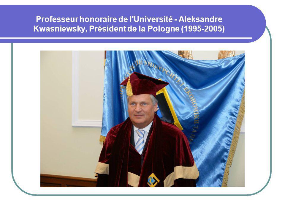 Professeur honoraire de l'Université - Aleksandre Kwasniewsky, Président de la Pologne (1995-2005)