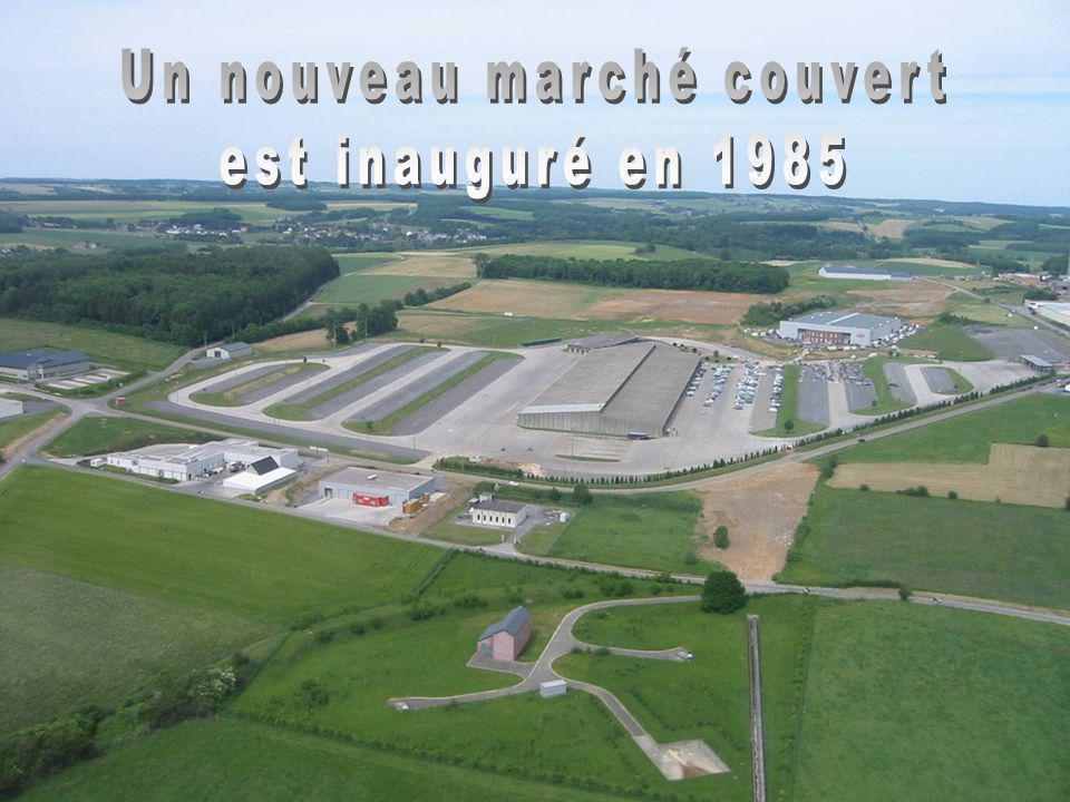 200 m 70 m 14.000 M² 2.000 M² Capacité du marché: 4.500 bovins