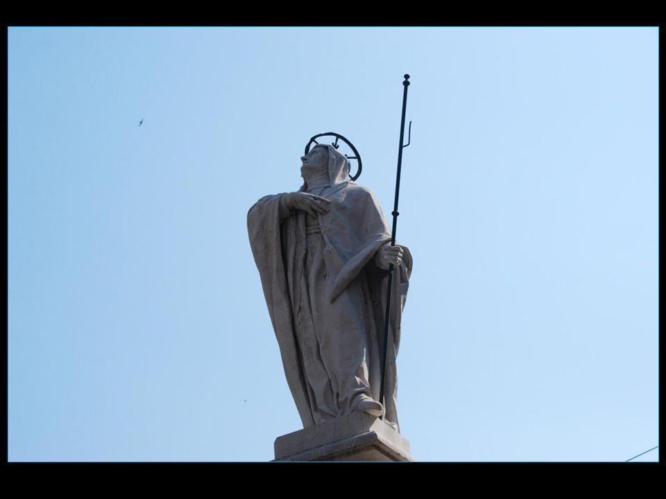 La statue de la bienheureuse Angela Merici de 1772