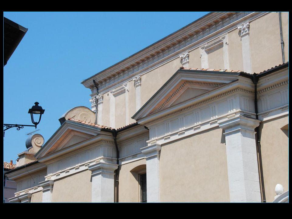 La cathédrale date du XVI me siècle et est dédiée à Sainte Marie Madeleine