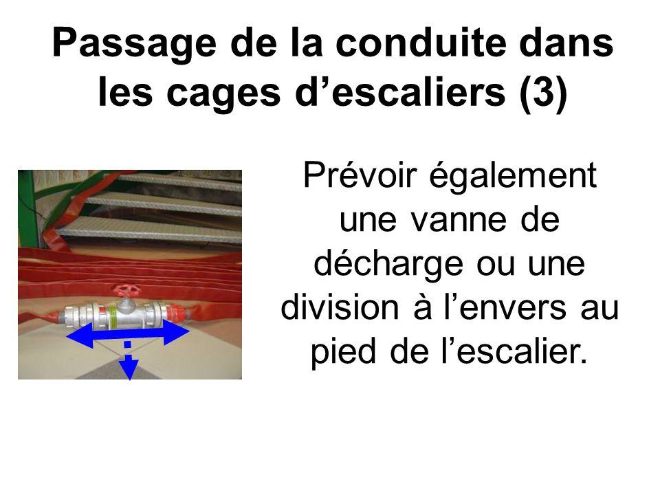 Passage de la conduite dans les cages descaliers (4)