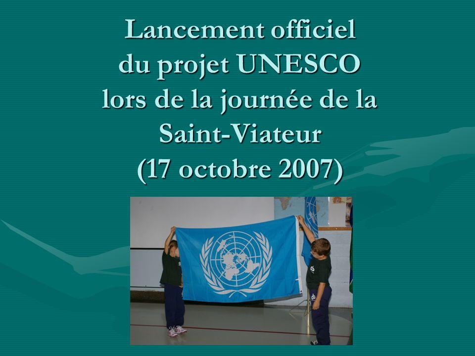 F ORMATION D UN COMITÉ UNESCO Comité formé délèves,délèves, denseignants,denseignants, des représentants de la pastorale.des représentants de la pastorale.