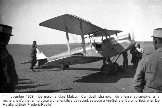 11 novembre 1928 - Le major anglais Malcom Campbell, champion de vitesse automobile, à la recherche d'un terrain propice à une tentative de record, se