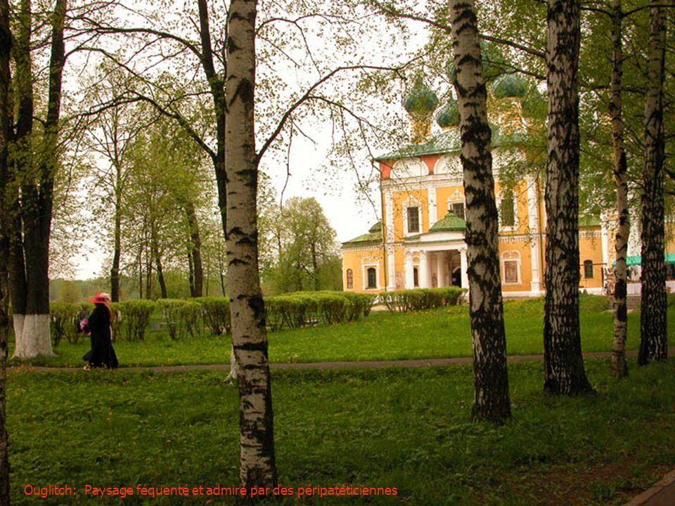 Moscou: Vue du Goum depuis la cathédrale de St Basile Le Bienheureux