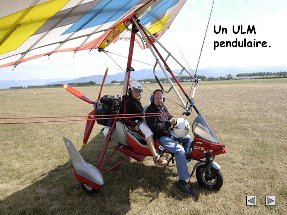 25 Un ULM pendulaire.
